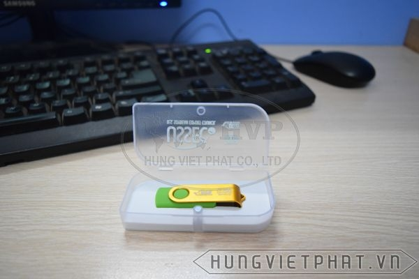 KTX-M---USB-in-khac-logo-Astrazeneca-lam-qua-tang-2-1497435666.jpg