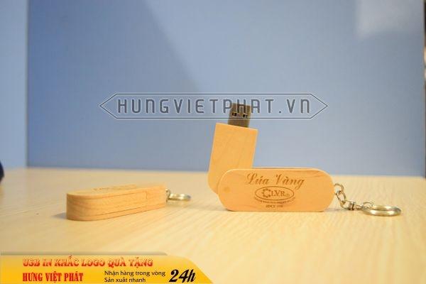 UGV-007-usb-vo-go-in-khac-logo-doanh-nghiep-lam-qua-tang2-1470649957.jpg