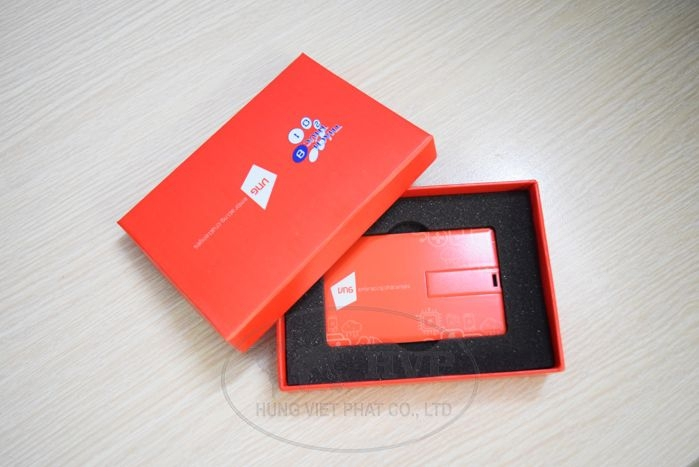 UTV-001-USB-The-namecard-in-logo-hinh-anh-thuong-hieu-lam-qua-tang-2-1529125077.jpg