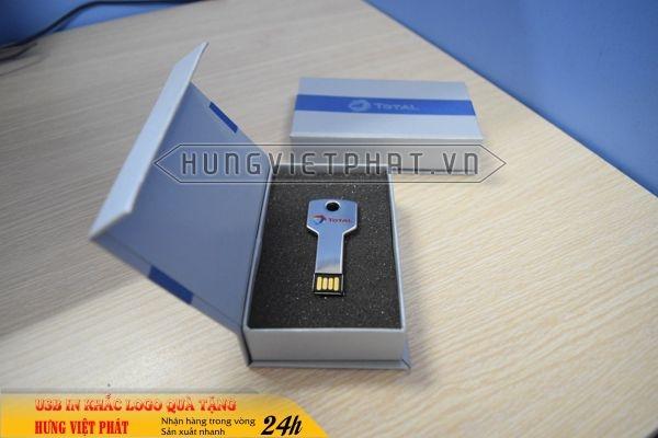 UCV-001-usb-chia-khoa-qua-tang-in-khac-logo-doanh-nghiep-1470647417.jpg