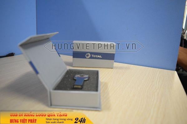 UCV-001-usb-chia-khoa-qua-tang-in-khac-logo-doanh-nghiep1-1470647416.jpg