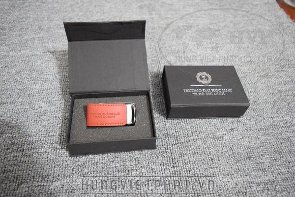 UDV-011---Hop-nam-cham-den-4-1483937890.jpg
