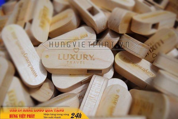 UGV-007-usb-vo-go-in-khac-logo-doanh-nghiep-lam-qua-tang-1470649960.jpg